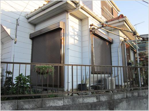 埼玉県嵐山町I様邸「スタンダード窓シャッター」手動式お届けしました。