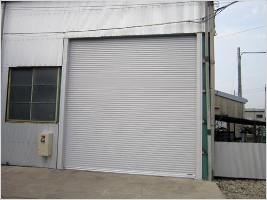 深谷市H社様「電動ワイドシャッター水圧開放装置付き」お届けしました。
