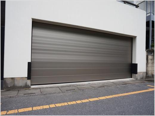 埼玉県川口市S様邸 次世代オーバードア「フラットピット」お届けしました。