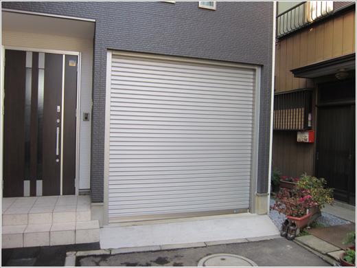 埼玉県川口市Y様邸ビルトインガレージシャッター「ビルトインパック」お届けしました。